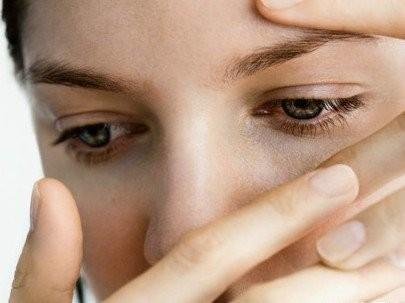 công dụng của hoa hồng - chữa đau mắt