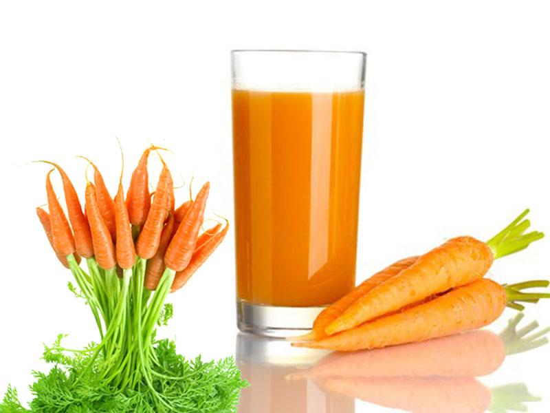 Thay thế nước hoa hồng bằng nước ép cà rốt giúp giảm lão hóa