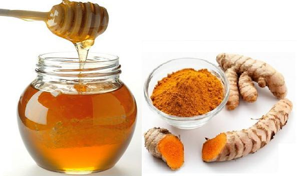 Chăm sóc da từ ngay bên trong bằng bột nghệ và mật ong