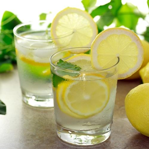 Uống nước chanh ấm vào buổi sáng cũng có cái hại của nó