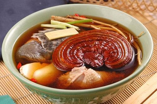 Dùng nước Linh Chi để nấu canh