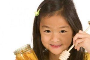 Mật ong trị ho cho trẻ con