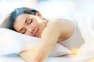 Với những hoạt chất quý của mình, cây đinh lăng giúp bạn ngủ ngon hơn