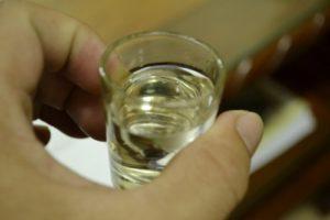 Công dụng và cách làm cây lược vàng ngâm rượu