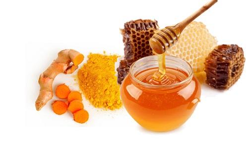 Cách làm đẹp bằng tinh bột nghệ và mật ong