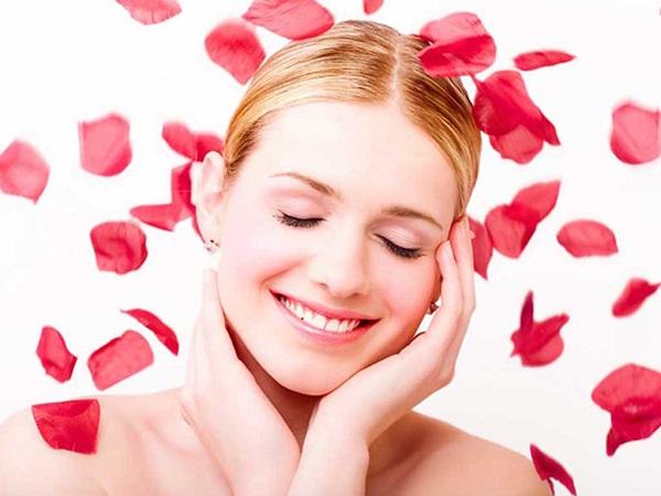 Chọn lọc những cách làm đẹp bằng hoa hồng