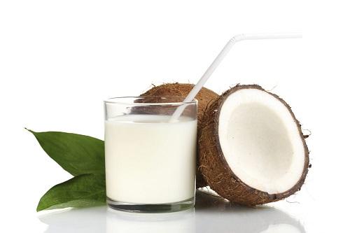 Tuyển chọn những cách làm đẹp bằng nước dừa hiệu quả nhất hiện nay
