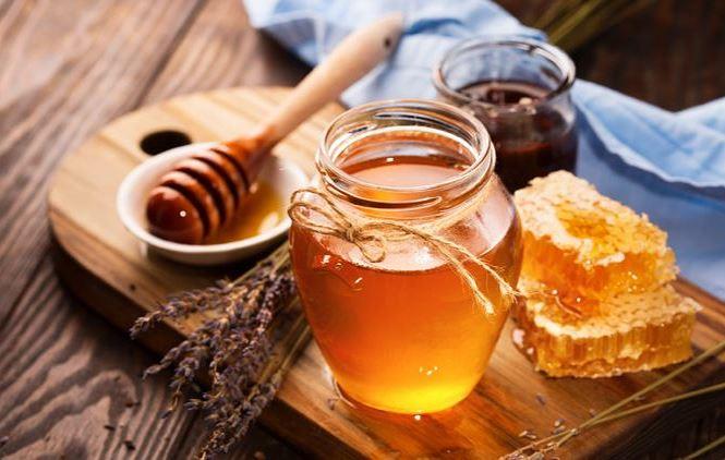 Cách trị mụn tại nhà cho nam bằng mật ong