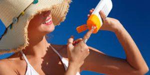 9 lý do tại sao bạn phải nên sử dụng kem chống nắng