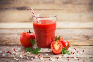 Mách bạn 7 mẹo làm đẹp từ cà chua tại nhà hiệu quả