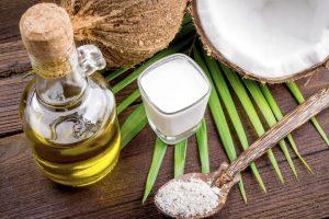 Tẩy trang bằng dầu dừa mẹo tẩy trang an toàn cho da