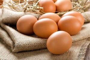 Bật mí bạn 7 cách trị nám bằng trứng gà hiệu quả