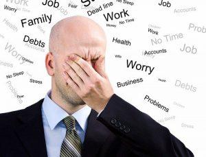 Làm việc quá căng thẳng gây ra tình trạng rụng tóc nhiều ở nam giới