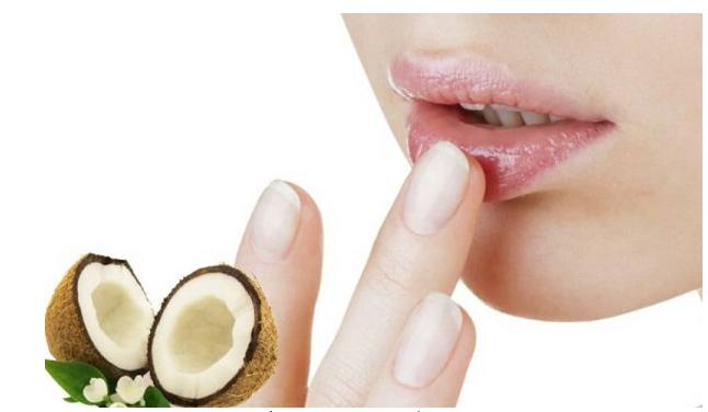 Tẩy da chết môi bằng dầu dừa tiện lợi nhất