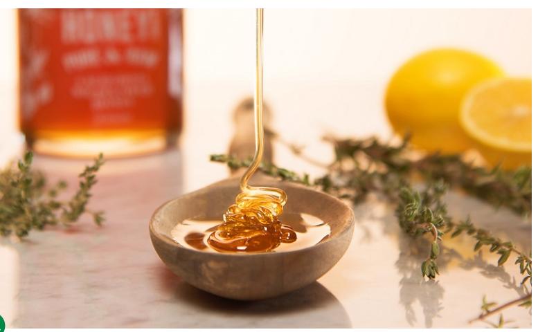 Tẩy da chết cho môi bằng mật ong tại nhà hiệu quả