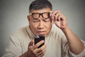 Mờ mắt đột ngột – nhiều bệnh lý nguy hiểm